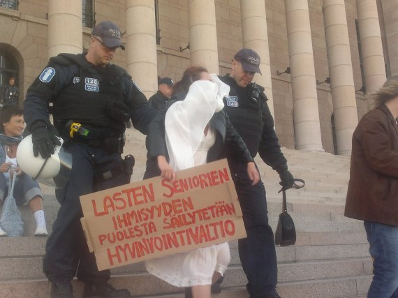 Systeemin vartija se poliisin on työ.